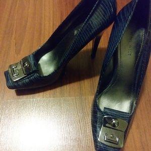 Nine West: Blue croc-style heels (size 10)